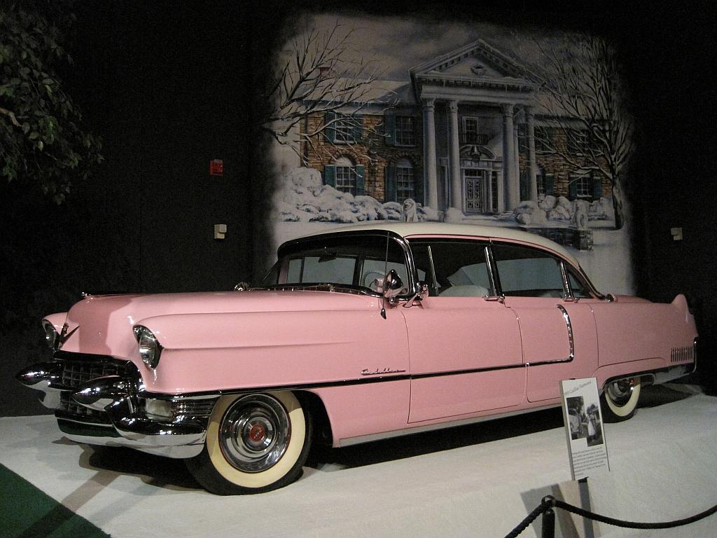 Elvis_Presley_Automobile_Museum_Memphis_TN_2013-03-24_050_1955_Cadillac_Fleetwood